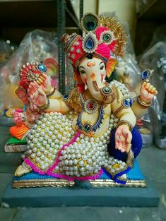 Shri Hanuman, Shree Ganesh, Radhe Krishna, Shri Ganesh Images, Shiva Parvati Images, Ganesh Chaturthi Quotes, Ganpati Bappa Wallpapers, Baby Ganesha, Ganesh Lord