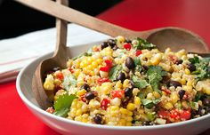 Corn Black Bean and Quinoa Salad. This savory summery quinoa salad works great as a side or light lunch. Only takes 15 mins to throw together! Quinoa Recipes Easy, Quinoa Salad Recipes, Corn Recipes, Healthy Recipes, Healthy Corn, Alkaline Recipes, Mexican Recipes, Healthy Cooking, Healthy Eats