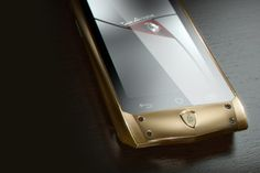 Italian luxury group, Tonino Lamborghini has also hop onto the luxury smartphone bandwagon with its uber luxe Antares luxury smartphone, running on Android platform and latest hardware, wrapped in the goodness of signature Italian craftsmanship. Lamborghini, Maserati, Ferrari, Mobiles, Smartphones For Sale, Expensive Gifts, Bling, New Gadgets, Flash Drive
