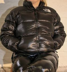 Girl in big shiny puffy jacket Cool Jackets, Jackets For Women, Winter Jackets, Men's Jackets, North Face Nuptse, Down Suit, Pvc Raincoat, Man Down, Puffy Jacket