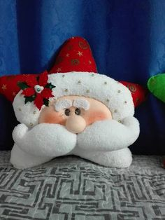 renee ledbetter's media content and analytics Christmas Chair, Christmas Cushions, Christmas Pillow, Felt Christmas, Christmas Projects, Handmade Christmas, Holiday Crafts, Christmas Holidays, Christmas Ornaments