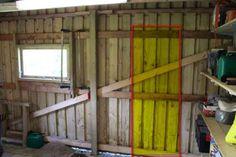 Gavl hvor dør skal monteres på dør til skur Diy Garage, Diy Door, Facade, Rv, Doors, Architecture, Projects, Tutorials, Slab Doors