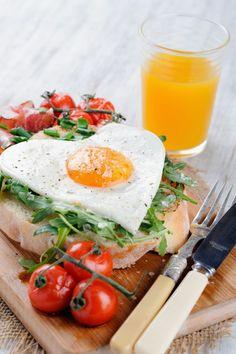 A Healthy Valentine's Day Breakfast Idea