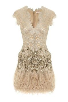 www.weddbook.com ♥ Matthew Williamson Lacquer Lace Feather Dress    #dress #feather #lace