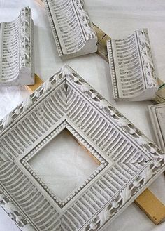Turn extra moulding into a shabby chic frame