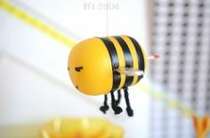 Recycled Materials, Insects, Crafts For Kids, Recycling, Bee, Toys, Paper, Barbie, Home Decor