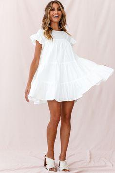 Shop the Hyacinth Ruffle Sleeve Smock Dress White only at Selfie Leslie! White Smock Dress, White Flowy Dress, Simple White Dress, Edgy Dress, Black Dress Outfits, Simple Dresses, Casual Dresses, Short Dresses, Flowy Dresses