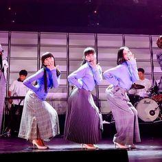 Perfume Live, Perfume Jpop, Doterra, Girl Group, Godzilla, Entertainment, Fashion, Moda, Fashion Styles