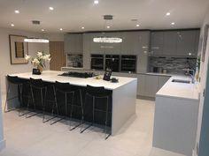 Steel Apollo Quartz - Via Benchmarx Benchmarx Kitchen, Kitchen Cabinets, Beautiful Kitchen Designs, Beautiful Kitchens, Kitchen Layout Interior, Oak Doors, Pta, Kitchen Colors, Apollo