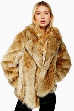 Buy Vila faux fur short jacket at ASOS. Get the latest trends with ASOS now. Mountain Fashion, Fabulous Furs, Fox Fur Coat, Printed Blouse, Faux Fur, Clothes For Women, My Style, Fashion Trends, Womens Fashion