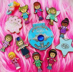 Cute Patches, Pin And Patches, Polly Pocket World, Poly Pocket, Pocket Craft, Kawaii Jewelry, 90s Cartoons, Cat Pin, Cute Icons