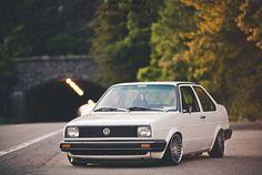 Volkswagen jetta mk2, une voiture de rêve dont j'aimerais conduire, j'aime beaucoup les voitures donc mon projet traiteras de voiture.