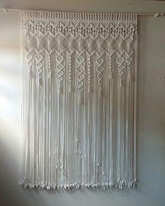 Diy Macrame Wall Hanging, Macrame Plant Holder, Macrame Curtain, Macrame Cord, Macrame Knots, Macrame Jewelry, Shabby Chic Curtains, Diy Curtains, Macrame Design
