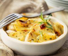 Le gratin dauphinois est un classique de la cuisine française. Redécouvrez-le grâce à la recette du chef étoilé Cyril Lignac.