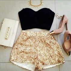 Love the gold sequin shorts! would be such a cute outfit for new years :) Mode Outfits, Short Outfits, Short Dresses, Summer Outfits, Fashion Outfits, Womens Fashion, Summer Vegas Outfit, Teen Fashion, Bar Outfits