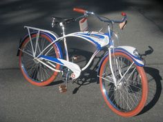 1946 Vintage Schwinn.  One of the first Schwinn's made after WWII...red, white and blue