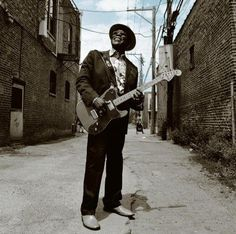 Ain't No Sunshine (Feat. Tracy Chapman) by Buddy Guy on Bring 'em In