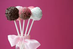 Doughnut-Hole Cake Pops Recipe
