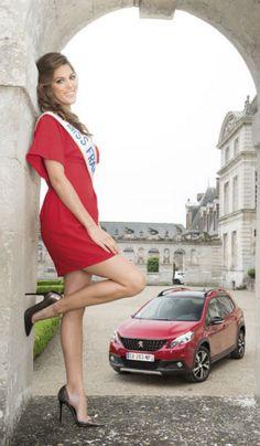 Notre reine de beauté a cédé aux sirènes des SUV. Iris Mittenaere s'apprête à prendre les commandes de cette Peugeot joliment restylée.