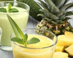 Jus de citron vert ananas et orange. Tropical fruit juice with picual extra virgin olive oil from Spain - Gluten free Recipes Smoothies Detox, Juice Smoothie, Fruit Smoothies, Avocado Smoothie, Fruit Juice, Lime Juice, Jus Fruit, Healthy Fats, Spain