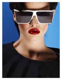 \><\Laura Stone, Vogue Turkey, April 2012...power 80's