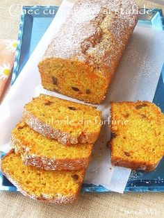 Culorile din farfurie: Carrots and raisins cake Raisin Cake, My Recipes, Cooking Recipes, Sweet Bread, Carrot Cake, Cakes And More, Cornbread, Banana Bread, French Toast