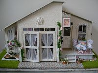 http://lindasminiaturehappenings.blogspot.ru/2010/09/shabby-chic-tea-salon.html