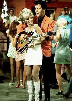Cool pic of Nancy Sinatra and Elvis Presley...