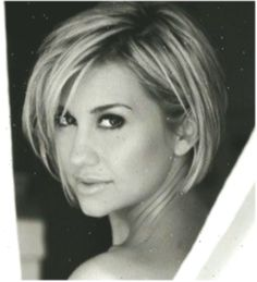 Best 30 Amazing Short Hairstyles For 2018 Summer – Cool Global Hair Styles 2019 – summer hair styles Layered Bob Hairstyles, Summer Hairstyles, Bun Hairstyles, Straight Hairstyles, Bob Haircuts For Women, Short Bob Haircuts, Julianne Hough Hair, Global Hair, Step By Step Hairstyles