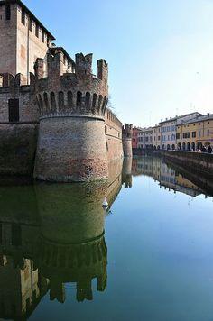 Rocca Sanvitale, Fontanellato, Italy - 44°52′57″N 10°09′21″E