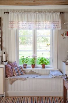 23 Cottage Interiors Everyone Should Try This Year - Interior Design Fans - 23 Cottage Interiors Everyone Should Try This Year interiors homedecor interiordesign homedecortips - Cottage Shabby Chic, Interior Design Boards, European Home Decor, Cottage Interiors, Eclectic Decor, Home Decor Trends, Contemporary Interior, Sweet Home, Room Decor