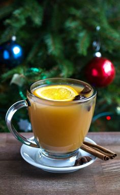 There's nothing like a freshly cut Christmas tree to get you in the holiday spirit! We love cutting down our tree at a local farm every year. And while we're decorating our tree, we enjoy a big batch of mulled apple cider. It doesn't get much better! AD ItsChristmasKeepItReal