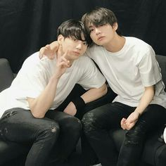 Find images and videos about kpop, bts and jungkook on We Heart It - the app to get lost in what you love. Bts Jungkook, Yoongi, V Taehyung, Foto Bts, Bts Photo, Namjin, Jikook, Crush Crush, Seokjin