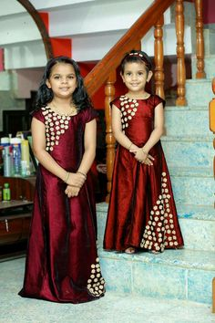 Twin costumes Frocks For Girls, Dresses Kids Girl, Kids Outfits, Baby Dresses, Frock Patterns, Kids Dress Patterns, Party Wear Dresses, Kids Dress Wear, Kids Blouse Designs