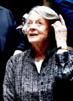 Last days of Downton | dontbesodroopy: Maggie Smith at the Downton Abbey, season 6 press launch