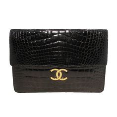 Chanel Alligator Oversized With Chain Strap Black Clutch. Get the trendiest Clutch of the season! The Chanel Alligator Oversized With Chain Strap Black Clutch is a top 10 member favorite on Tradesy. Save on yours before they are sold out! Oversized Handbags, Oversized Clutch, Black Handbags, Purses And Handbags, Chanel Handbags, Vintage Handbags, Fashion Handbags, Chanel Black, Coco Chanel