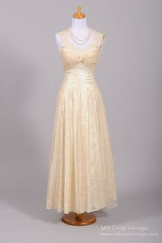 1950 Knotted Lace Vintage Wedding Gown