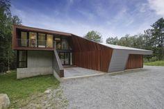 Architect David Jay Weiner has designed the Berkshire Pond House in Becket, Massachusetts.