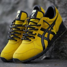 onitsuka tiger Bruce lee kill bill shoes NOS yellow black Asics martial arts Ankle Sneakers, Slip On Sneakers, Leather Sneakers, Onitsuka Tiger, Bruce Lee, Baskets, Plimsolls, Colorado, Shoes
