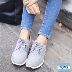 Toms Del Ray Sneakers Grey felt and suede Toms Del Rey sneakers. Worn a few times, they are a little to wide for my feet. TOMS Shoes Sneakers