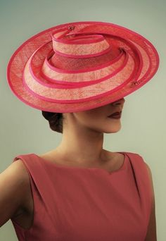 Magnificent Hats are the first choice for fabulous headwear in the Glasgow and Lanarkshire area. Ready-to wear, couture and bespoke designs. Sinamay Hats, Fascinator Hats, Fascinators, Headpieces, Photo Mannequin, Crazy Hats, Types Of Hats, Kentucky Derby Hats, Church Hats