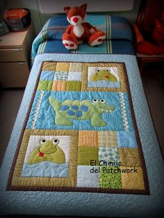 This Pin was discovered by Vil Cute Quilts, Boy Quilts, Small Quilts, Patchwork Quilt, Patchwork Baby, Patch Quilt, Quilt Blocks, Quilting Projects, Quilting Designs