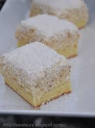 Így készül a raffaello bögrés süti: gyors, finom, különleges - www.kiskegyed.hu Hungarian Desserts, Cake Bars, Vanilla Cake, Feta, Cheesecake, Muffin, Food And Drink, Cooking Recipes, Cupcakes
