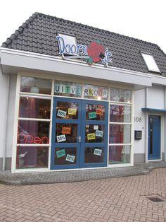 Aan de Dorpsstraat Noord Scharwoude