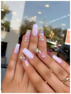 35 schöne rosa Nageldesigns Butterfly Coffin Na+ 35 beautiful pink nail designs Butterfly Coffin Na + # Beautiful # Nail designs nails ideas Nail Design Glitter, Cute Acrylic Nail Designs, Pink Nail Designs, Best Acrylic Nails, Summer Acrylic Nails, Summer Nails, Clear Nail Designs, Clear Glitter Nails, Butterfly Nail Designs