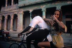m i c h e l e — baby-vintage: Rene Burri, Cuba Zurich, Film Photography, Street Photography, Colour Photography, Susan Sontag, Street Portrait, Cycle Chic, Cultural Events, Havana Cuba
