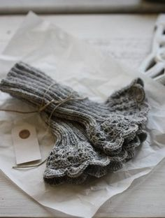 Wrist warmers with lace. Oh please make me some!