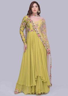 Pakistani Formal Dresses, Indian Gowns Dresses, Pakistani Dress Design, Long Dress Design, Stylish Dress Designs, Long Skirt Fashion, Fashion Dresses, Denim Fashion, Women's Fashion