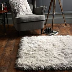 Extravagance Silver Shaggy Rug by Origins is grey and silver in color which is a treat to eyes and compatible to all types of home décor. It is plain but the shaggy look makes it very soft and comfortable. Cream And Grey Bedroom, Grey Bedroom Design, Types Of Houses, Rugs In Living Room, Modern Rugs, Colours, Origins, The Originals, Shaggy Rugs