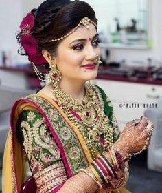 Niceeeeeeee Brides In 2019 Indian Wedding Jewelry Indian Niceeeeeeee Brides In 2019 Indian Wedding Jewelry Indian Maharashtrian Bridal Makeup Trends 2019 Makeup Trends 2019 Jewelry Trends Bridal Hairstyle Indian Wedding, Indian Bridal Photos, Indian Wedding Bride, Bridal Hairdo, Indian Bridal Hairstyles, Indian Bridal Makeup, Indian Bridal Fashion, Indian Bridal Wear, Indian Wedding Jewelry
